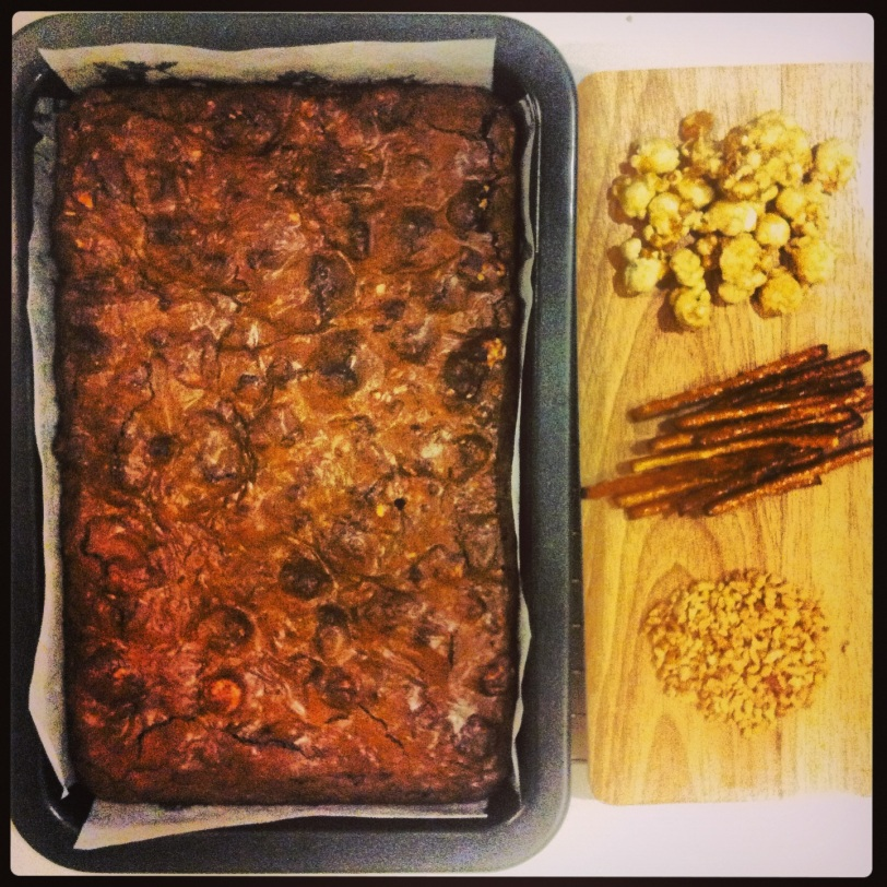 Ballpark Brownies (with caramelised popcorn, pretzels and peanuts) #brownies