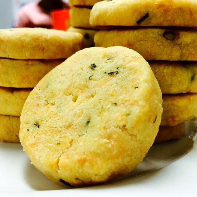 There's something about cheese biscuits that makes me so happy. That ...